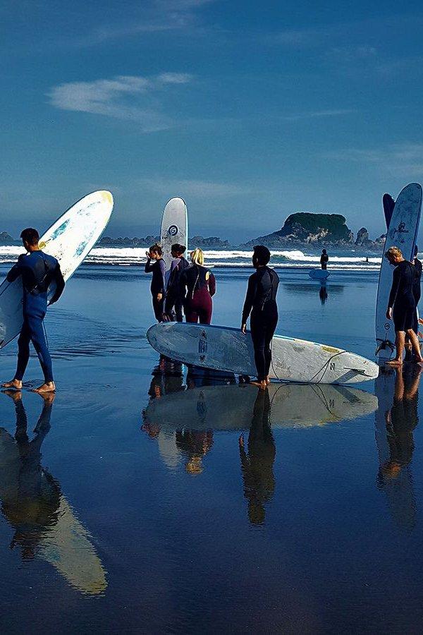 Bazils-Surf-School.jpg
