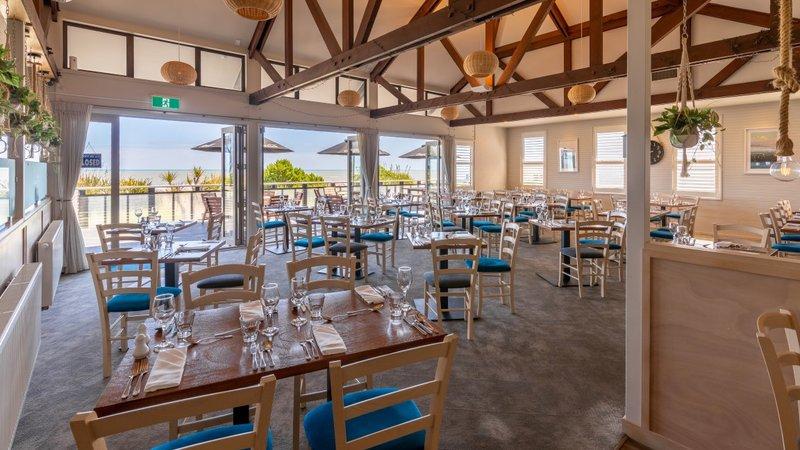 Beachfront Hotel Hokitika Oceanview Restaurant 2.jpg