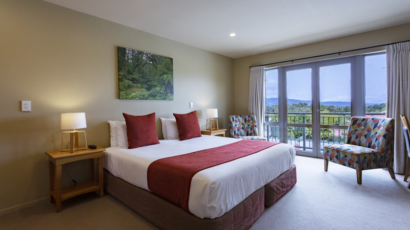 DH Fox Glacier Hotel Room RM8254 - 2020.jpg