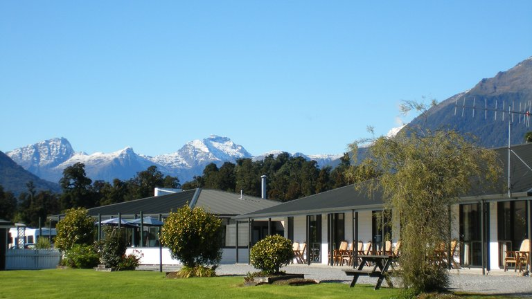 Heritage Lodge - West Coast