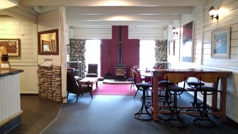 Dawsons Hotel at Reefton Auto Lodge