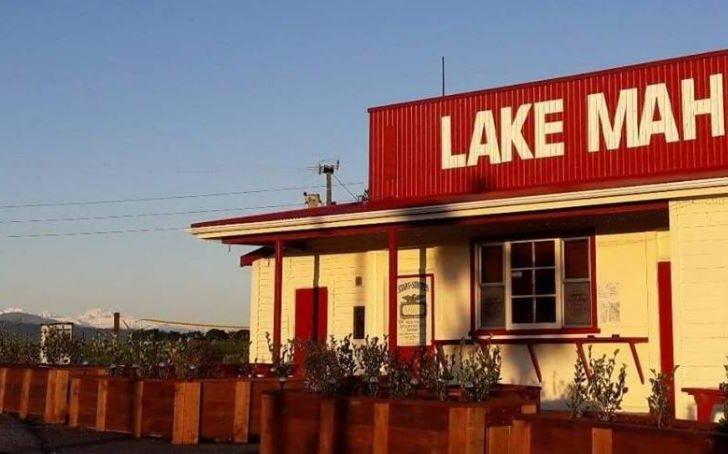 Lake Mahinapua Hotel