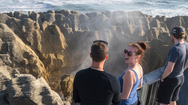 Pancake Rocks and Blowholes - 0920