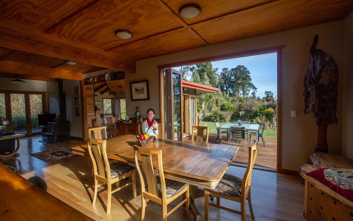 Paramata-Lodge-dining-area.JPG
