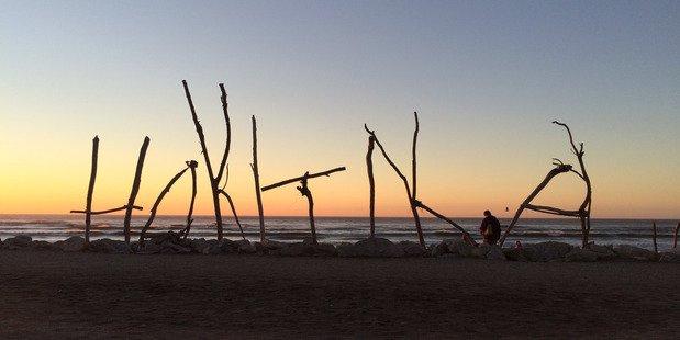 Hokitika cool little town driftwood