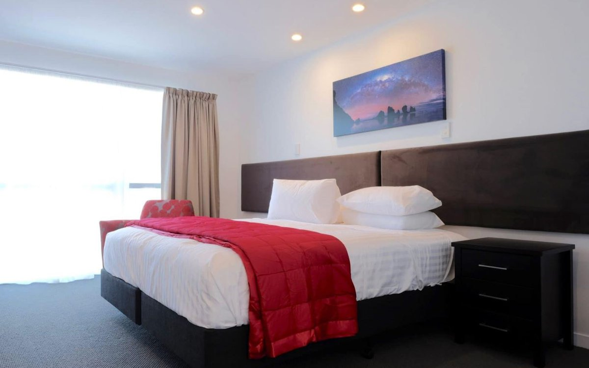 Stopforths-Premium-Accommodation.JPG