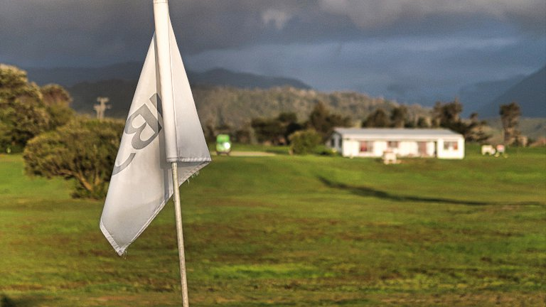 Tasman-flag-at-Karamea-Golf-Club.jpg