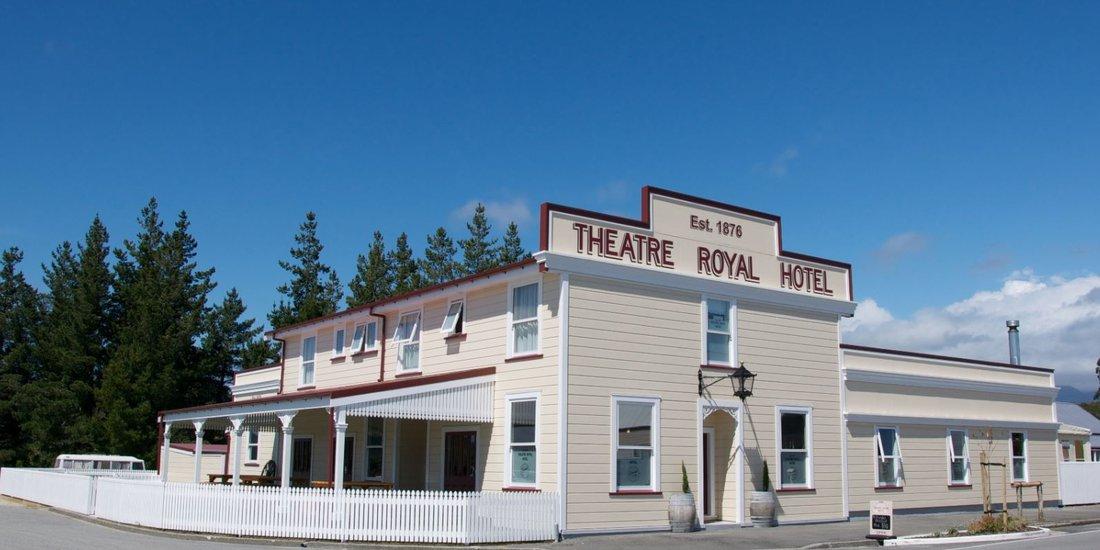 Theatre-Royal-Hotel-day.JPG