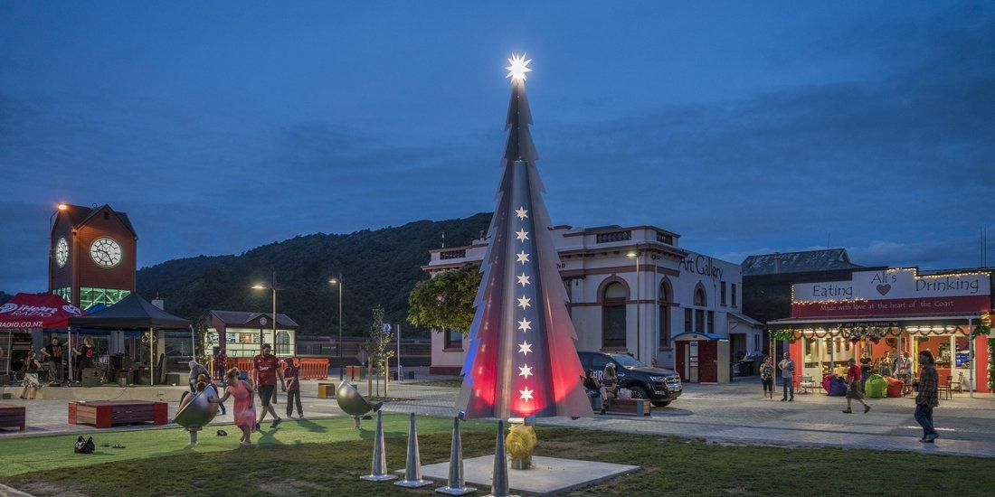 Greymouth town square at night