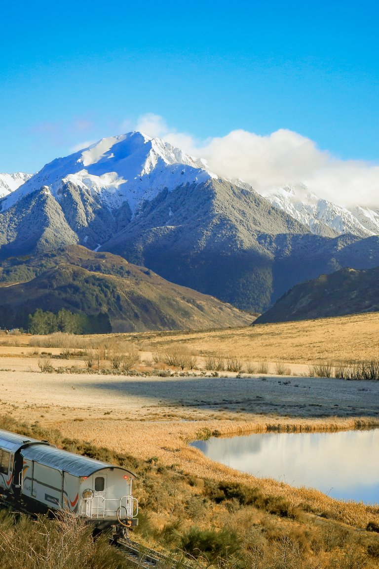 tranzalpine passing lake sara in winter.jpg